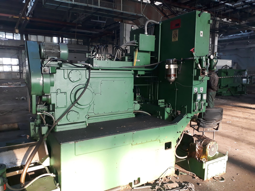 Gear hobbing Machines GLEASON 726