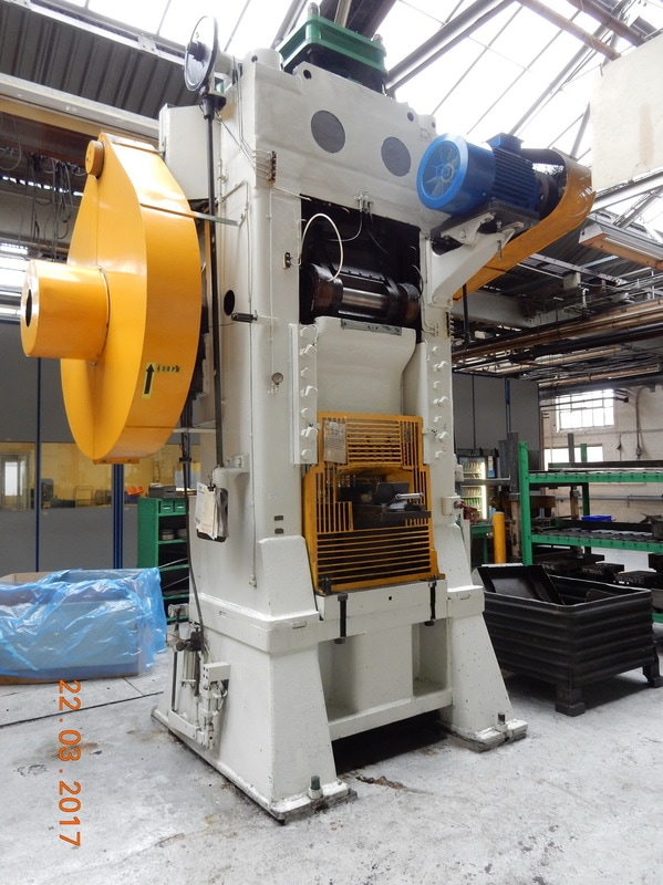 Double sided knuckle joint mechanical power press LISS 25A 600 TON