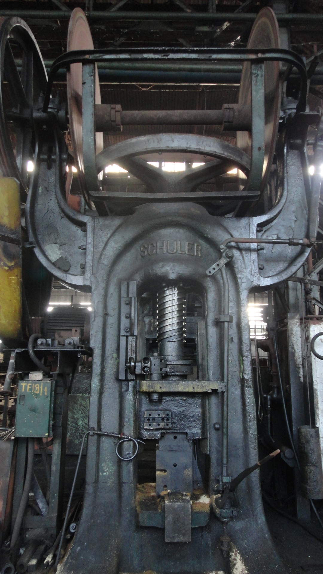 Screw press Schuller 530 ton for Spare parts