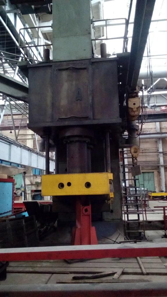 Hydraulic press P3239 800 ton