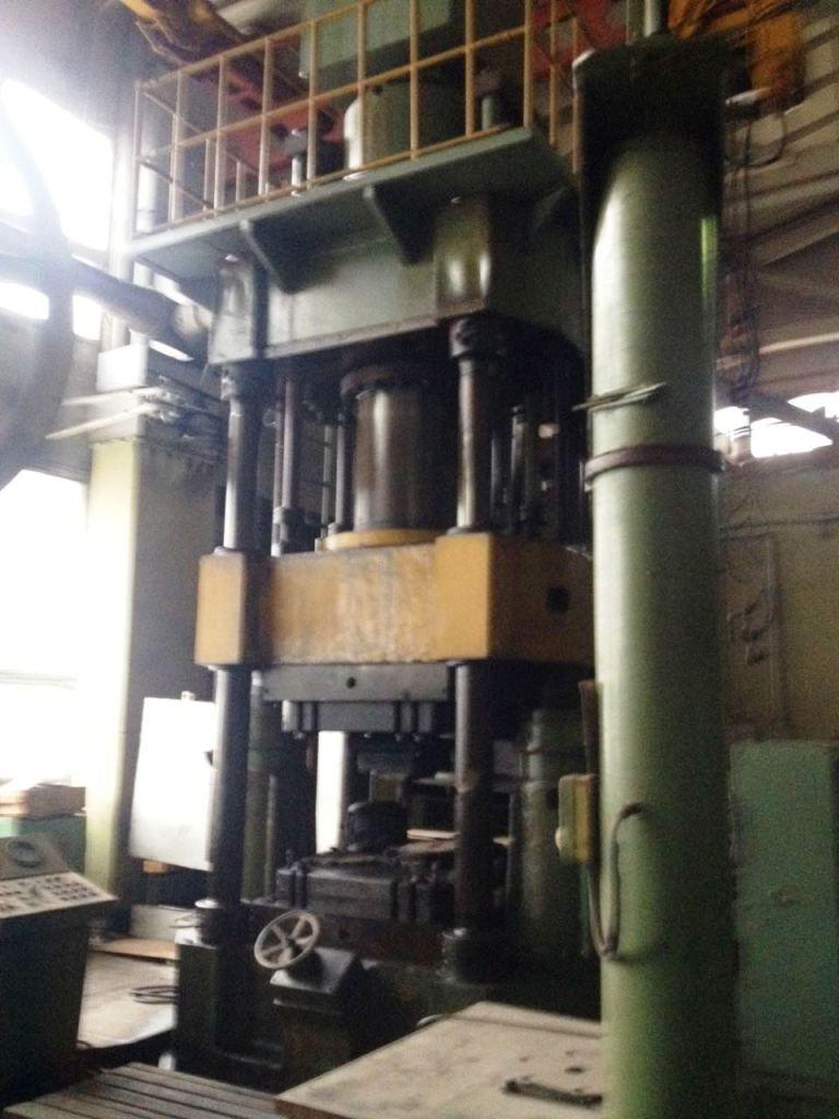 Hot forging hydraulic press PA2638 630 ton