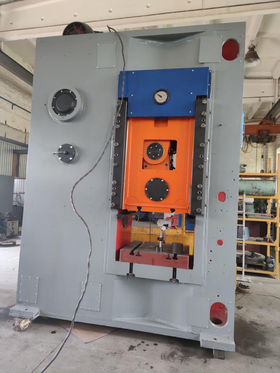 Knuckle joint press Barnaul KB 8340 1000 ton