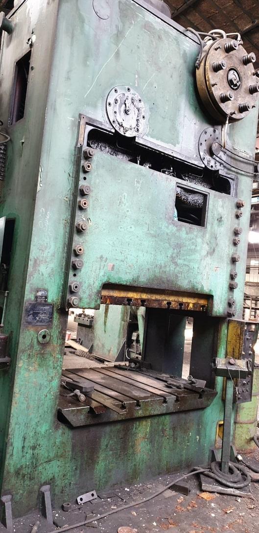 Trimming press Ravne TP 630 ton
